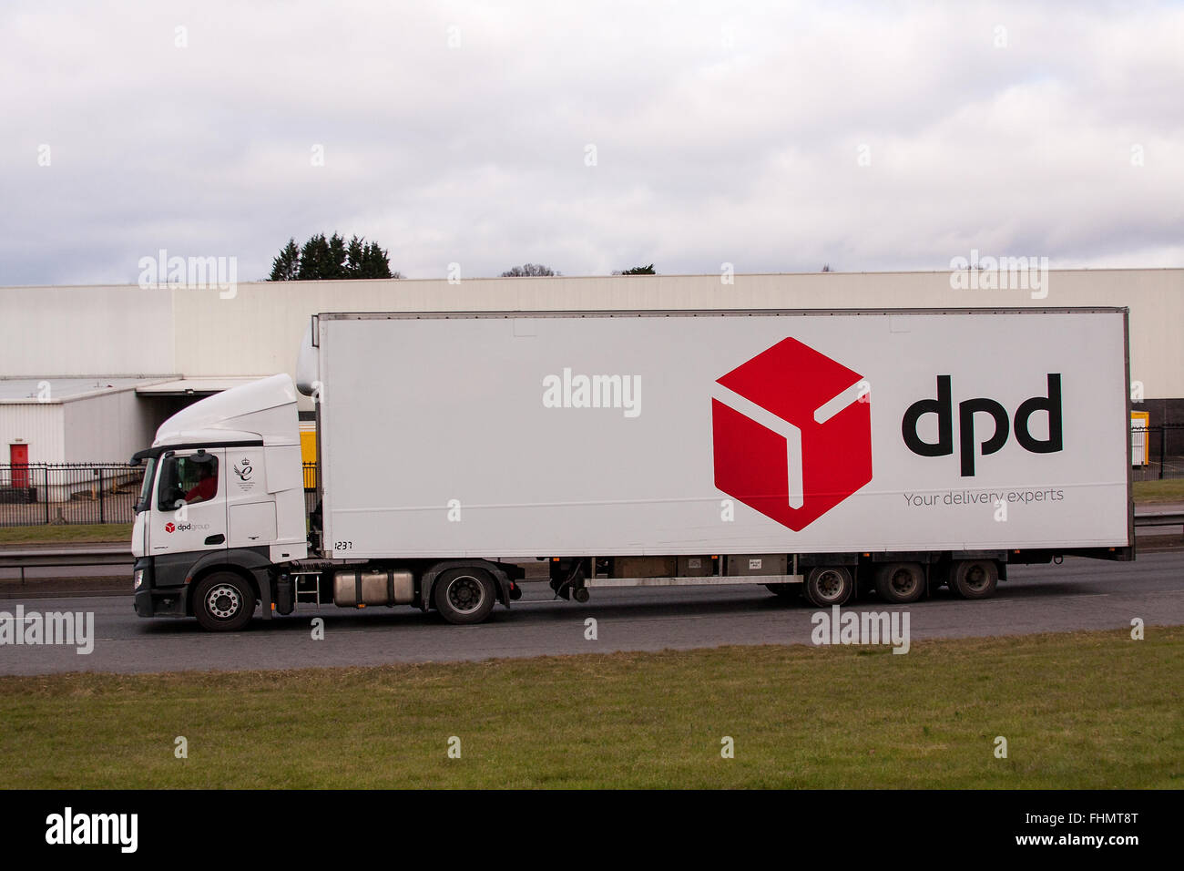 Dpd Lorry Stock Photos & Dpd Lorry Stock Images - Alamy