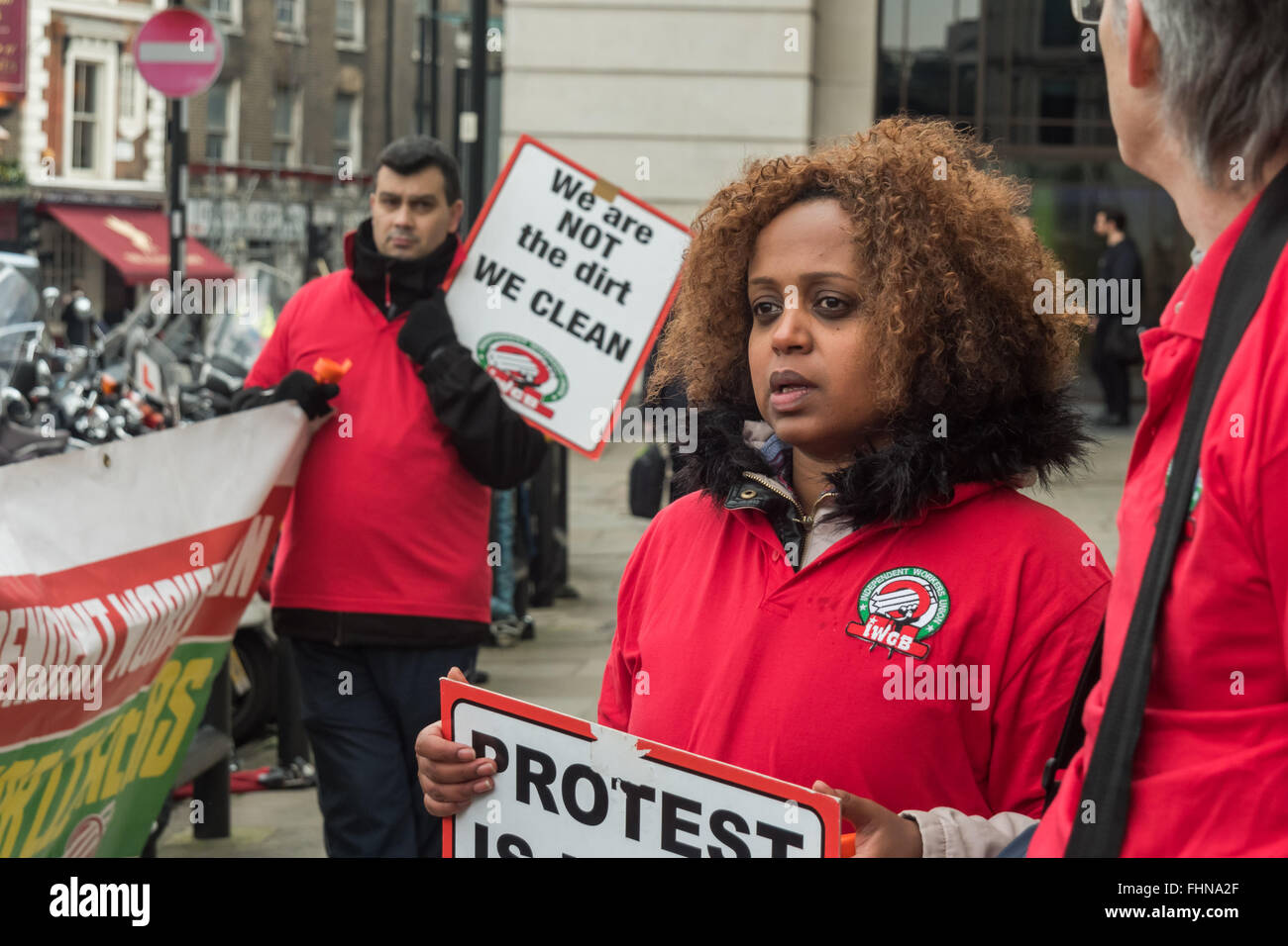 London, UK. 25th February, 2016. IWGB union rep Hanna Abebe speaks at  protest outside Bloomberg London calling - Stock Image