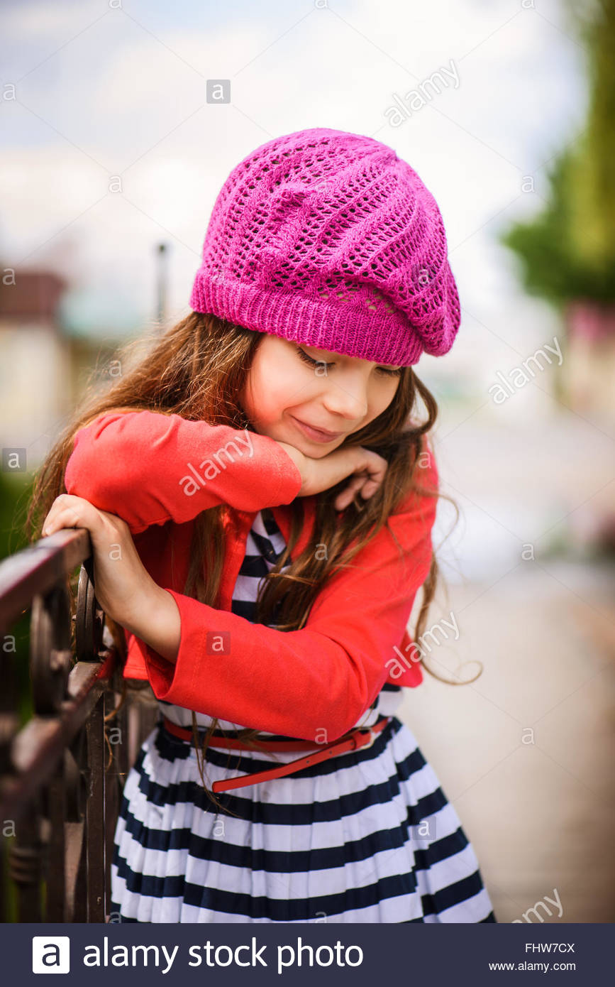 little girl in red beret Stock Photo  97055642 - Alamy 78c66946577