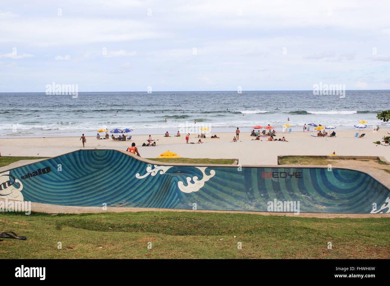 Skate and swimmers in Praia da Tiririca - Stock Image