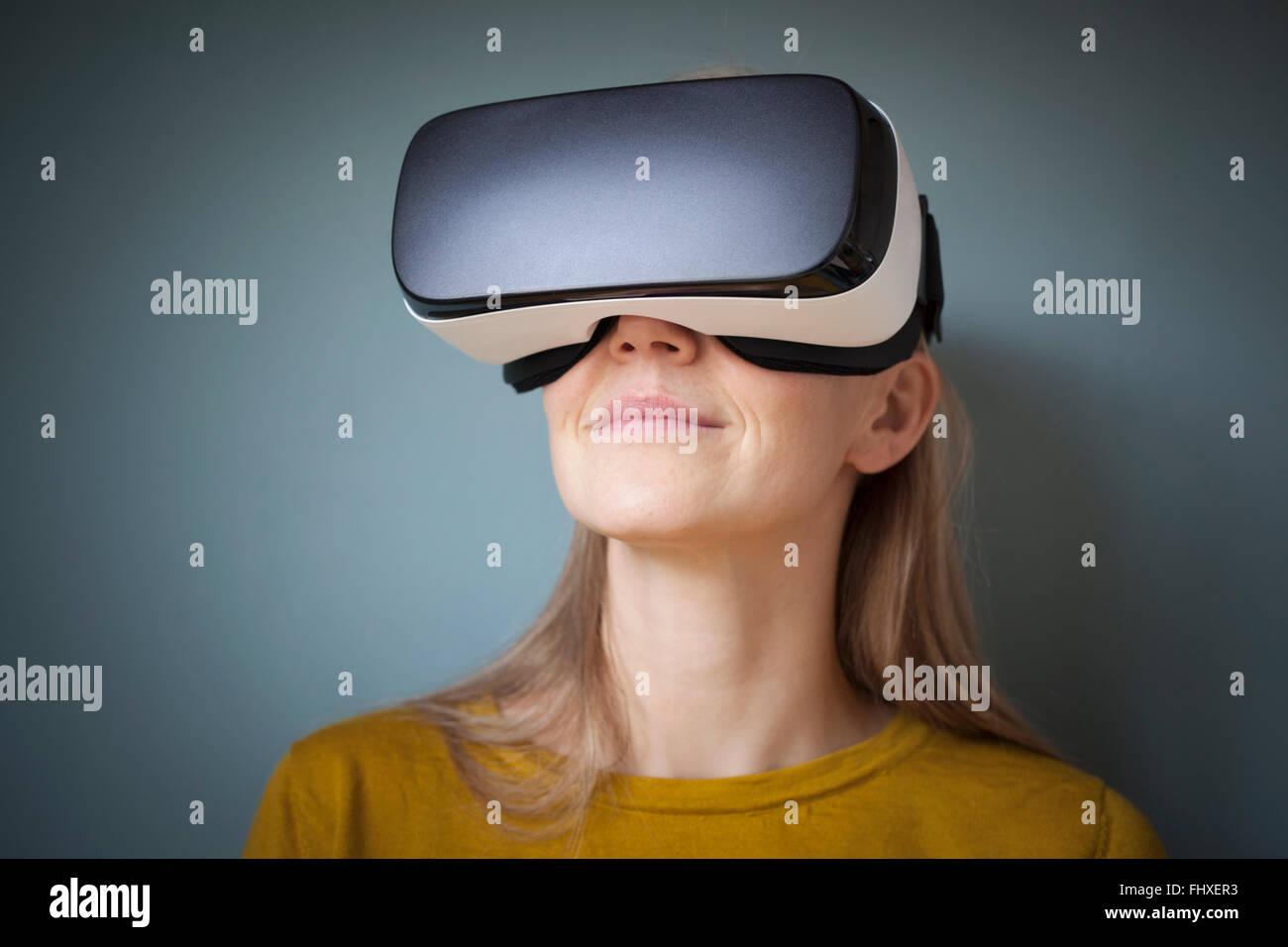 69a6e9d8e401 Virtual Reality Stock Photos   Virtual Reality Stock Images - Alamy