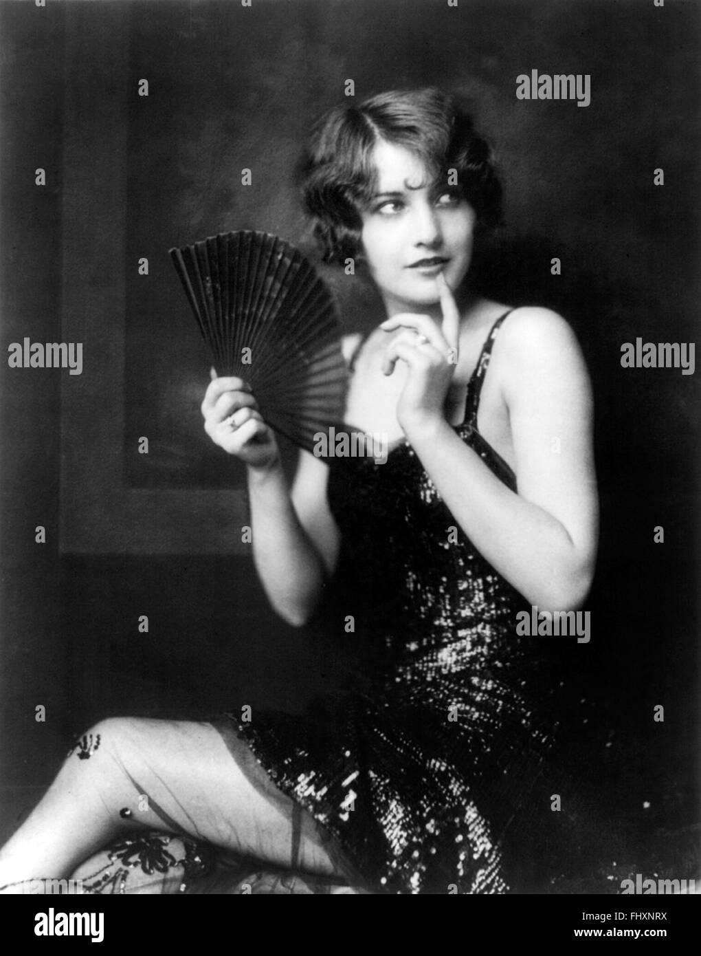 Ziegfeld girl Barbara Stanwyck, showgirl, showgirls - Stock Image