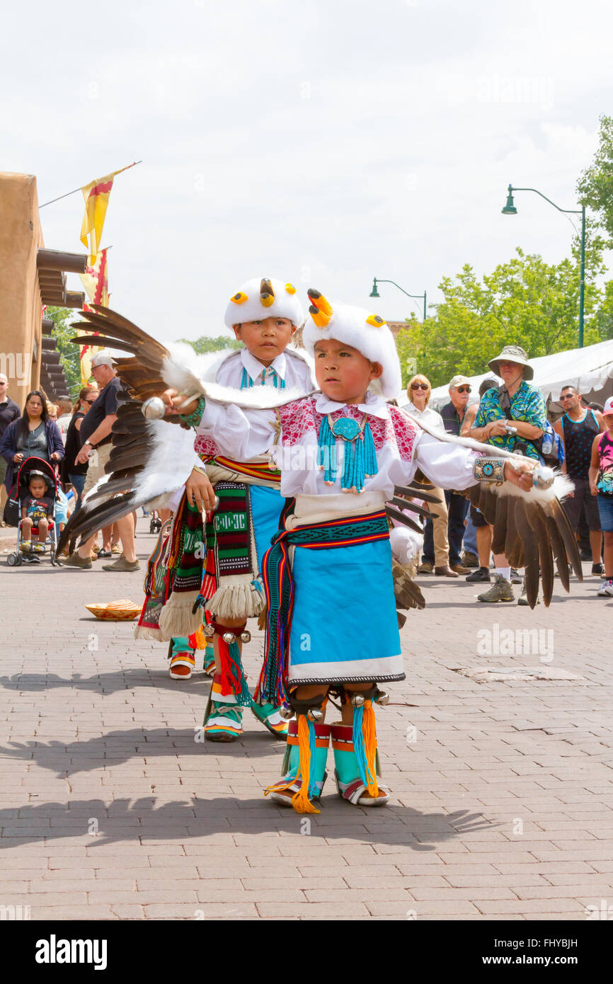 Santa Fe Indian Market youngsters doing the Eagle dance - Stock Image