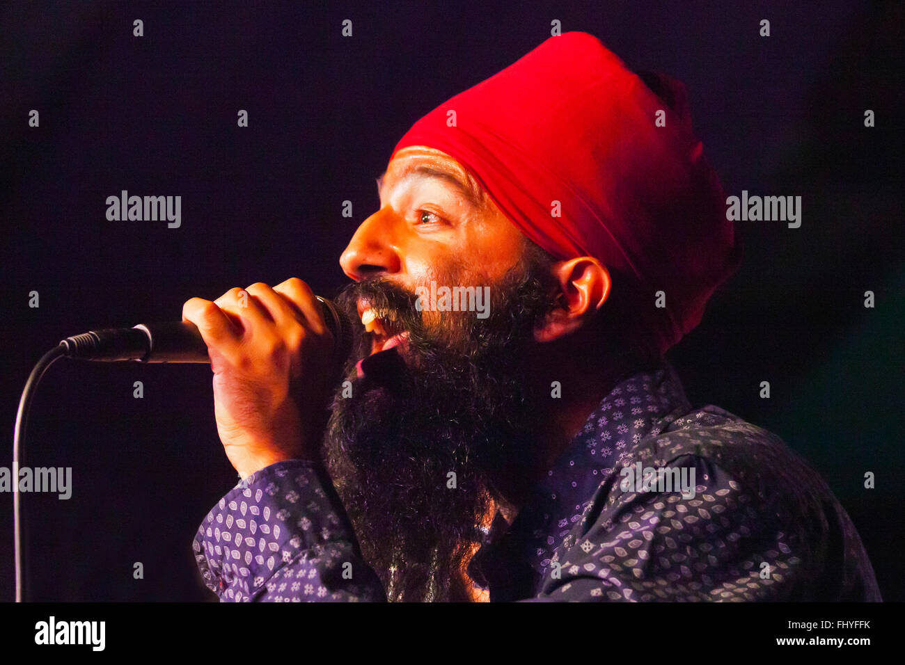 SONNY SINGH sings for RED BARAAT in Dizzys Den at the MONTEREY JAZZ FESTIVAL - Stock Image
