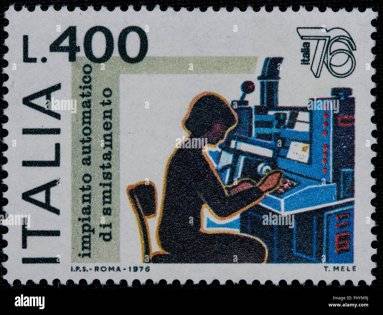 1976 Italian mint stamp issued to celebrate Italia 76 philatelic expo Lire 400 - Stock Image
