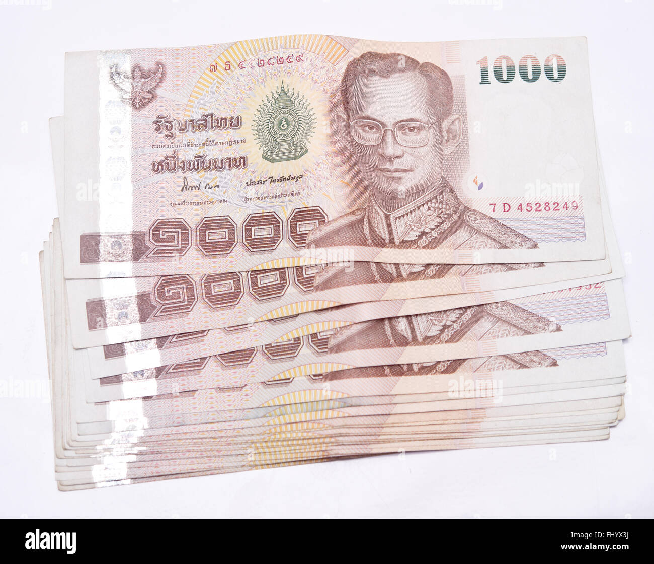 close-up-of-thai-banknotes-1000-baht-FHY