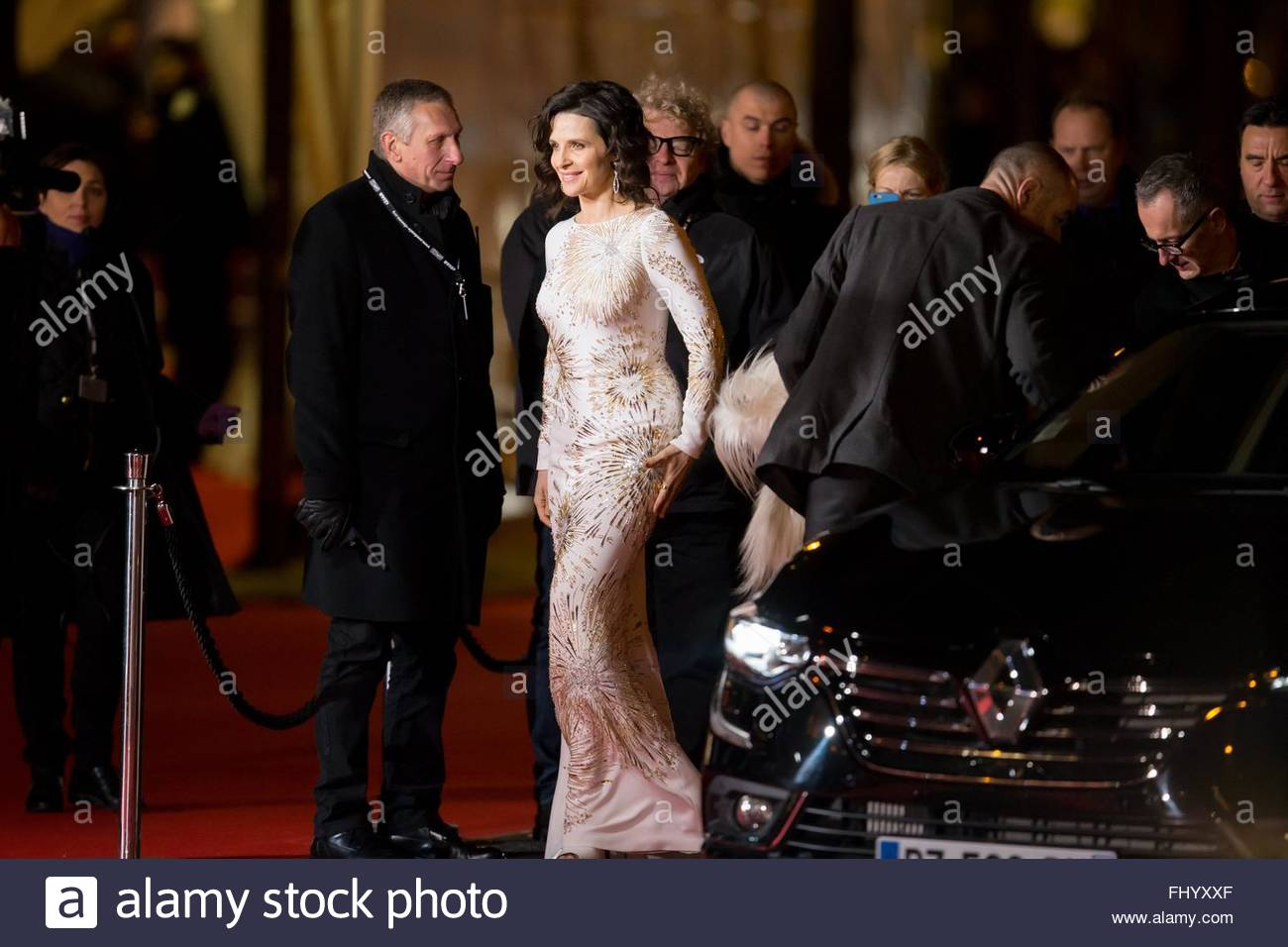Paris, France. February 26th, 2016. FRANCE, Paris: French actress Juliette Binoche walks on the red carpet of the - Stock Image