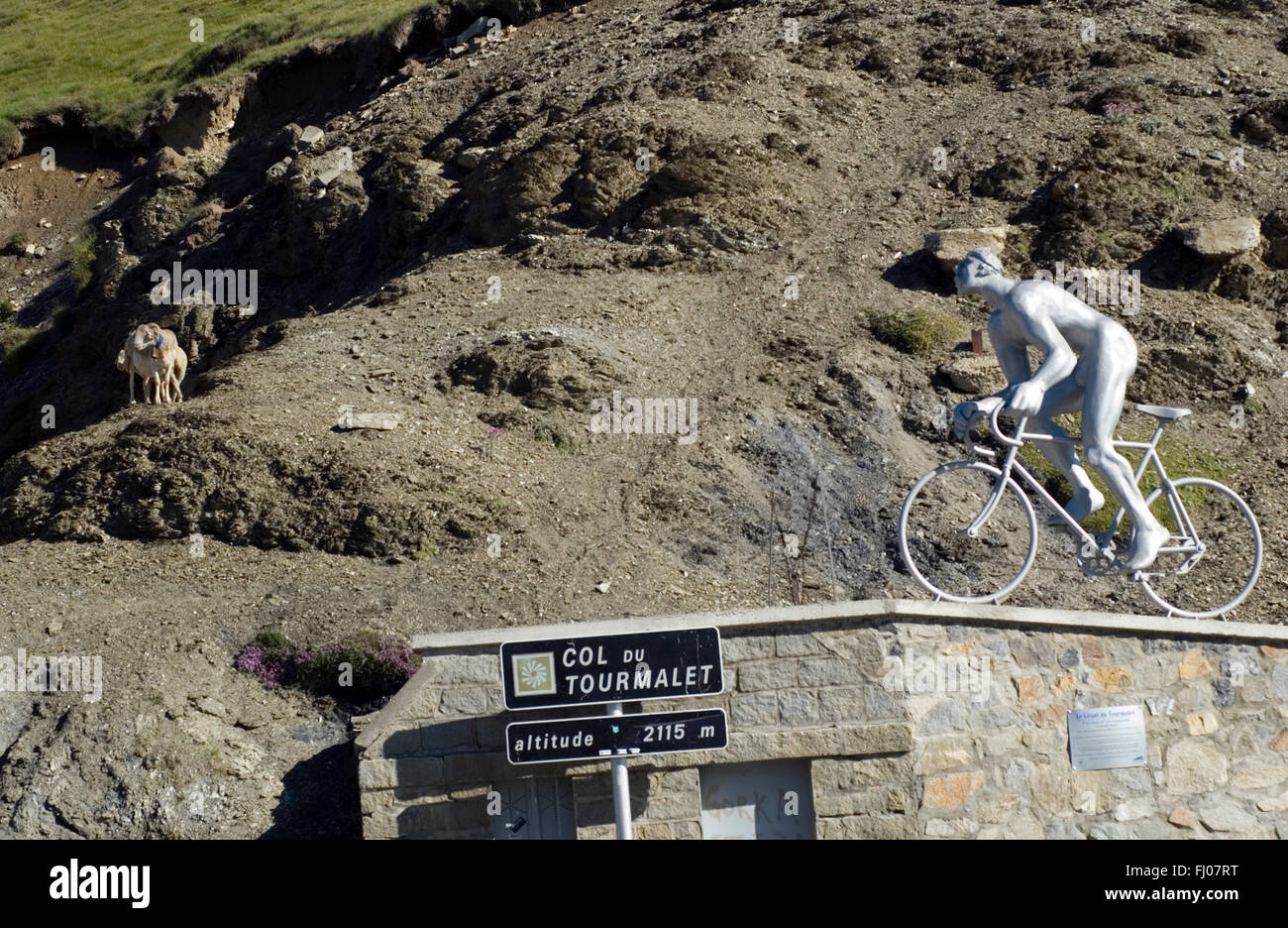 FRENCH PYRENEES; CYCLISTS MONUMENT (LE GEANT)  AT SUMMIT OF COL DU TOURMALET Stock Photo