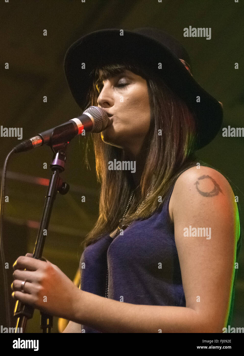Lucie Barat (Carl Barat's sister) performing with Lucie Barat & The Au Revoirs at Engine Rooms, Southampton - Stock Image