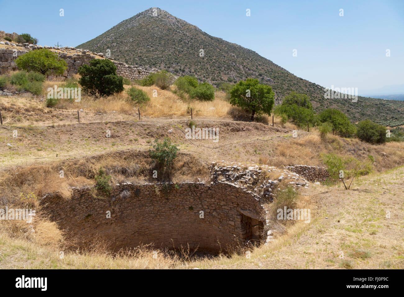 Mycenae, Argolis, Peloponnese, Greece.   Excavation site of Tholos or Beehive tomb of Aegisthus - Stock Image