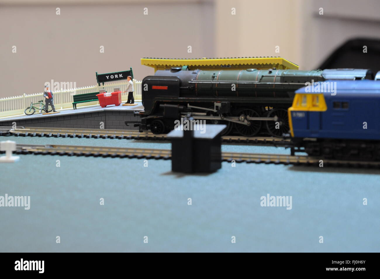 Model Train Set arranged waiting at York station - Stock Image