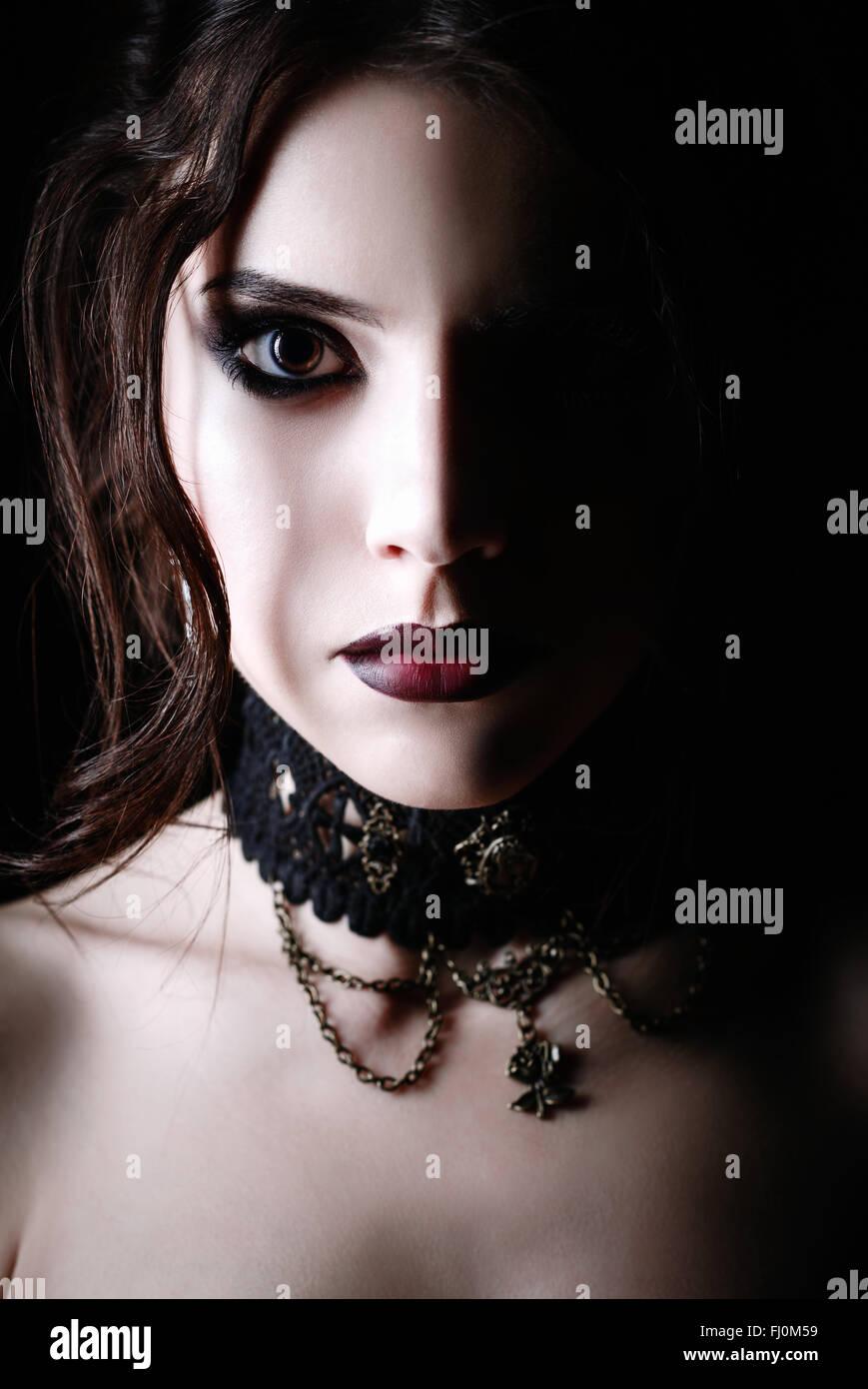 Kostenlose Bilder von jungen Gothic Girls, Heiße blonde Sexstellungen