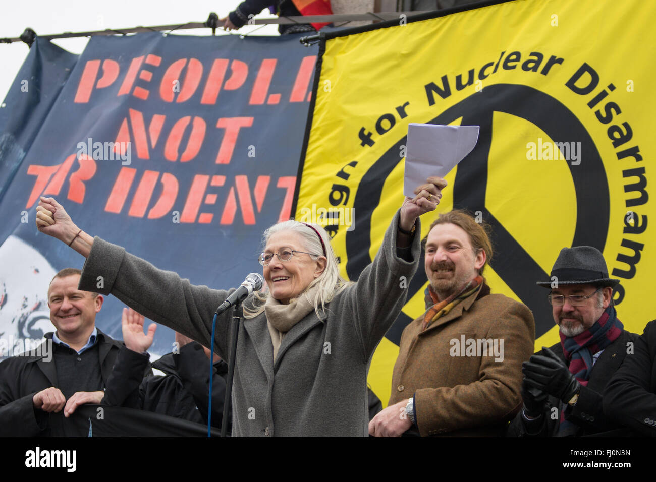 London, England. 27 Feb 2016. Vanessa Redgrave, actress and campaigner addresses the rally in Trafalgar Square after - Stock Image