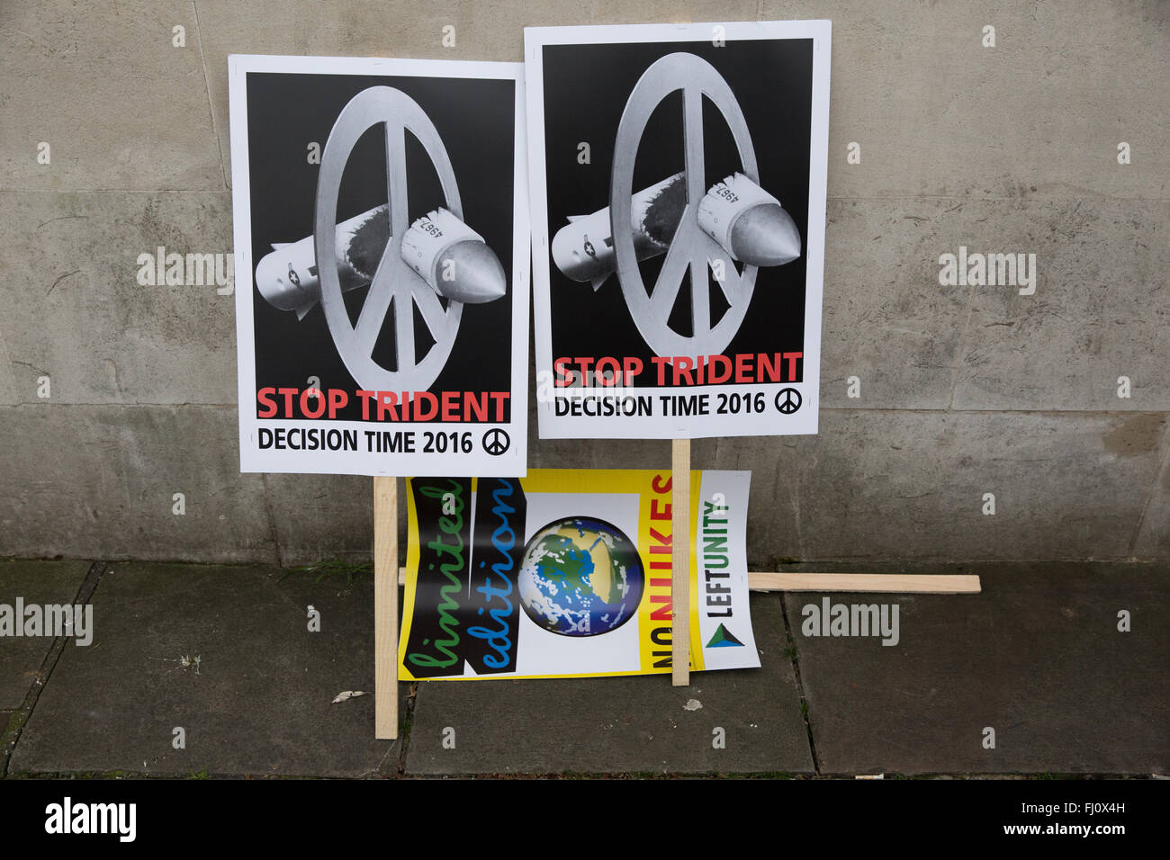 London, UK. 27th February, 2016. Stop Trident placards before the march at Marble Arch. Credit:  Mark Kerrison/Alamy - Stock Image