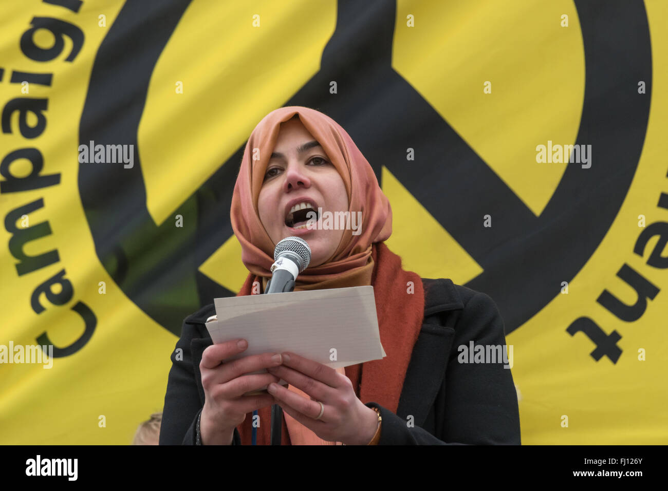 London, UK. 27th February 2016. Raghad Altikriti of the Muslim Association of Britain speaks at the rally opposed Stock Photo