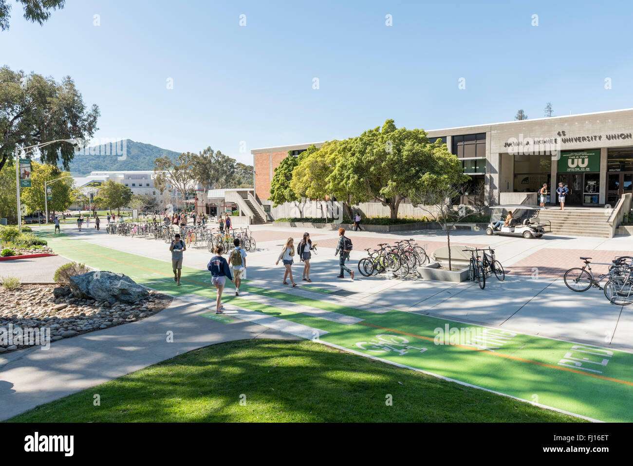 Campus, student union building and students at California Polytechnic State University, (Cal Poly) at San Luis Obispo, - Stock Image
