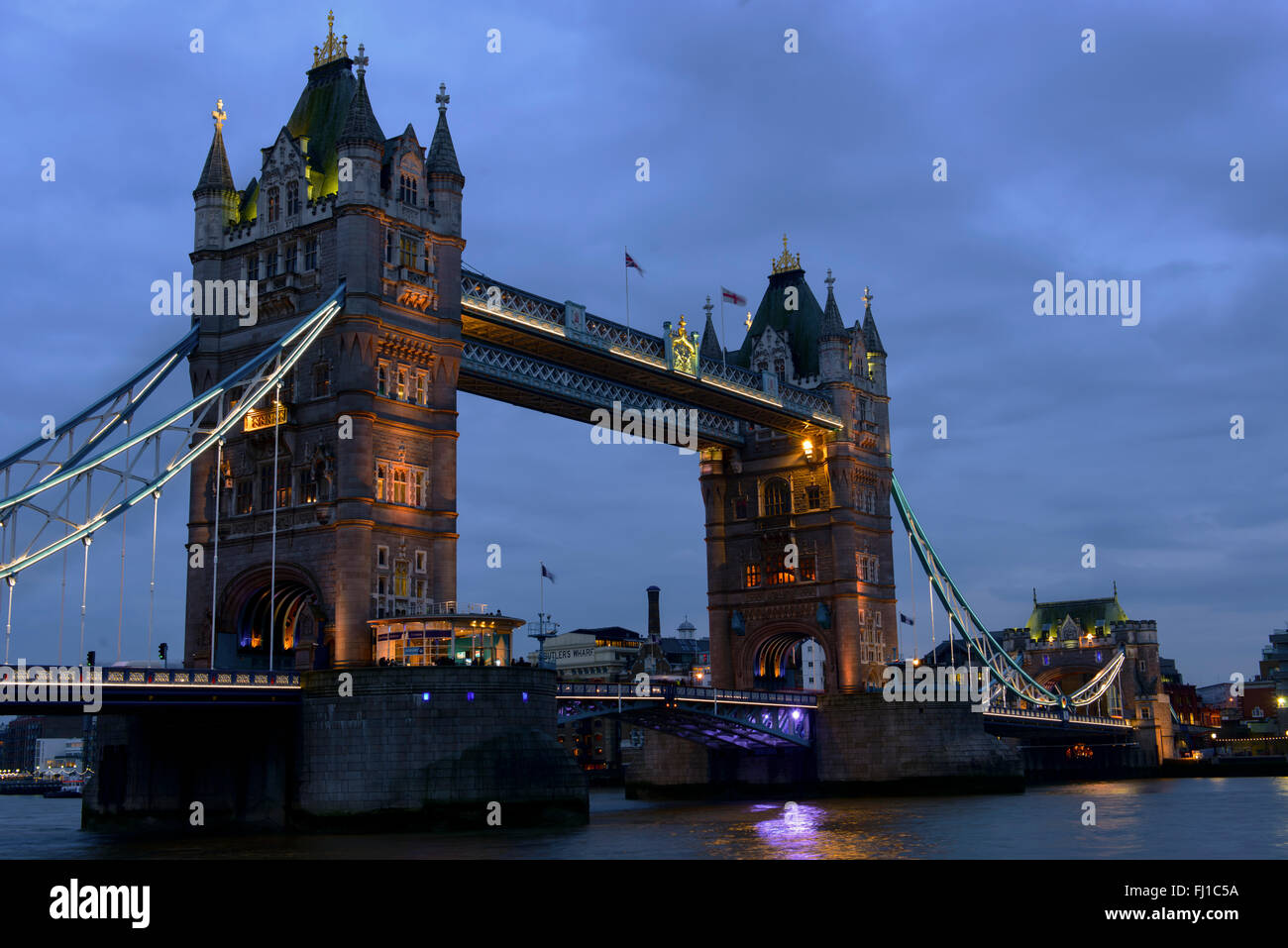 Tower of London, Tower Bridge at night - Stock Image