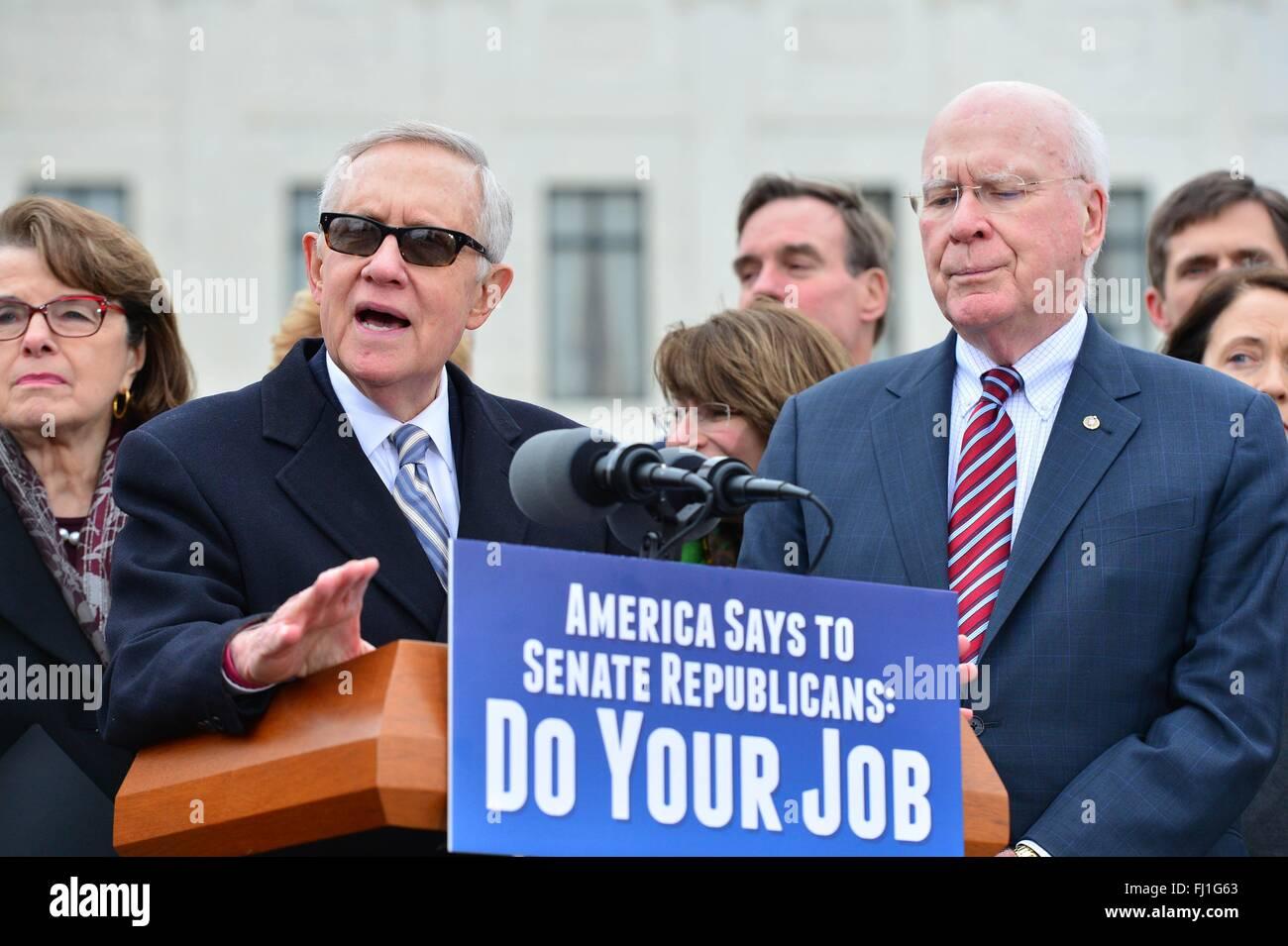 U.S. Senator Minority leader Harry Reid joined by Sen. Patrick Leahy, the ranking member of the Senate Judiciary - Stock Image