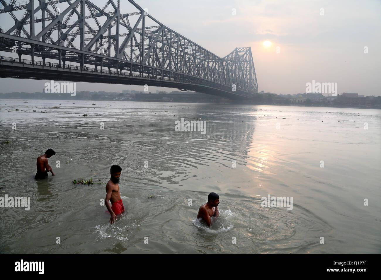 Stunning Howrah bridge architecture in Kolkata, India - Stock Image