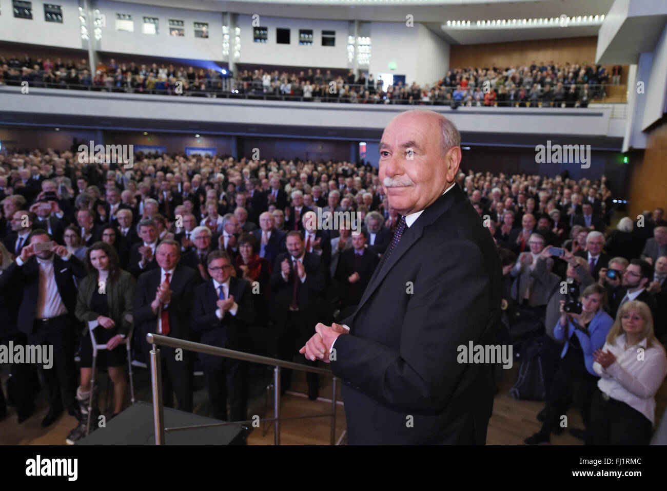 Ivo Goenner, mayor of Ulm, receives applause after is speech in the Congress Center in Ulm, Germany, 28 February - Stock Image