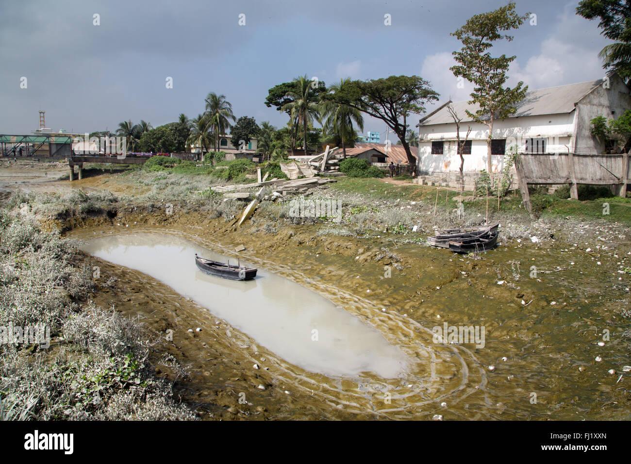 Chittagong harbor - Bangladesh  - landscape - Stock Image