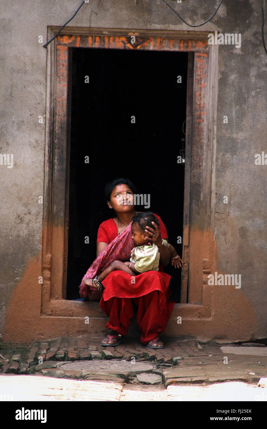 Mother with child in Bhaktapur, Nepal - Stock Image