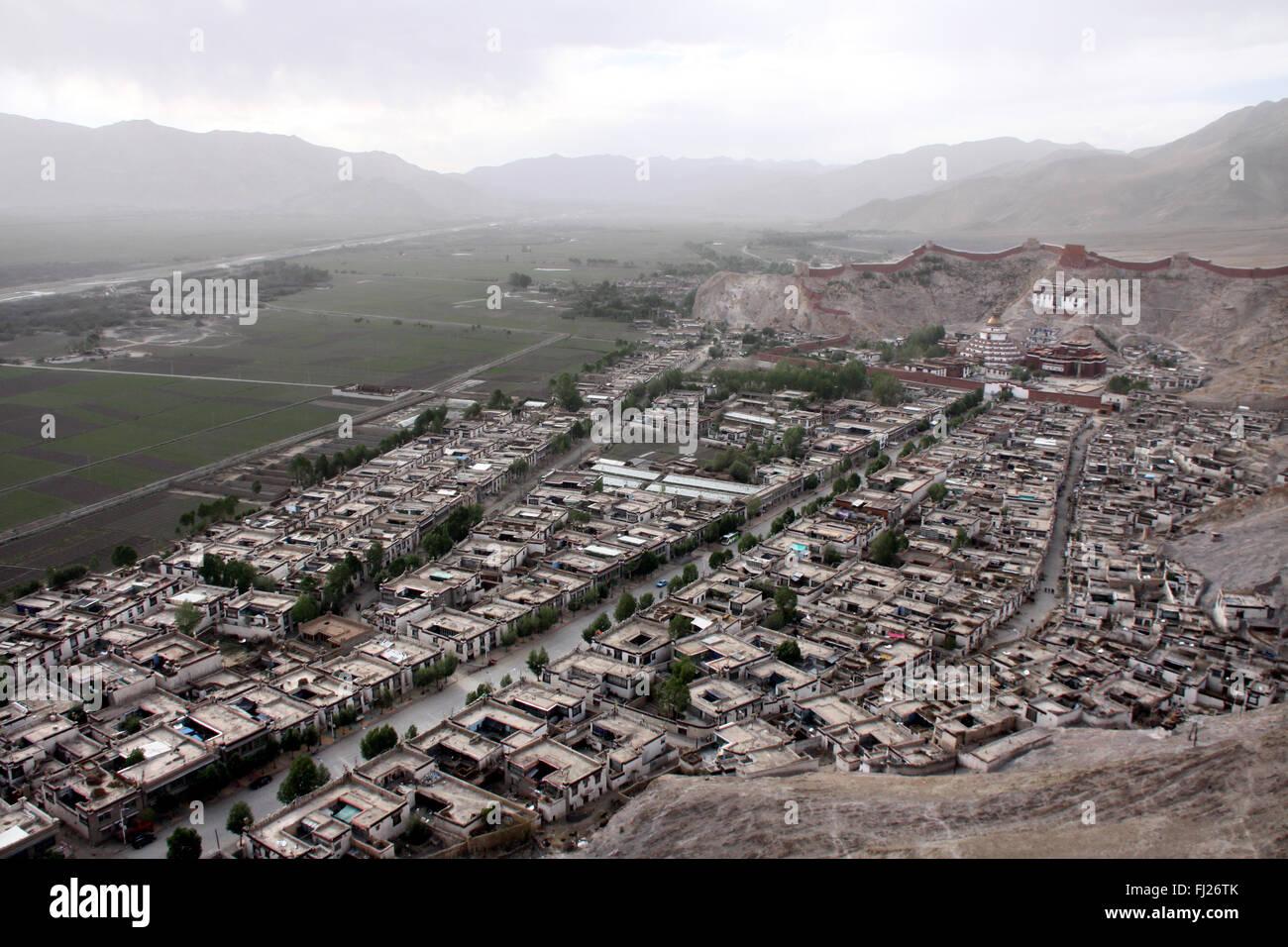 Panorama on Gyantse, Tibet, with Gyantse monastery Stock Photo