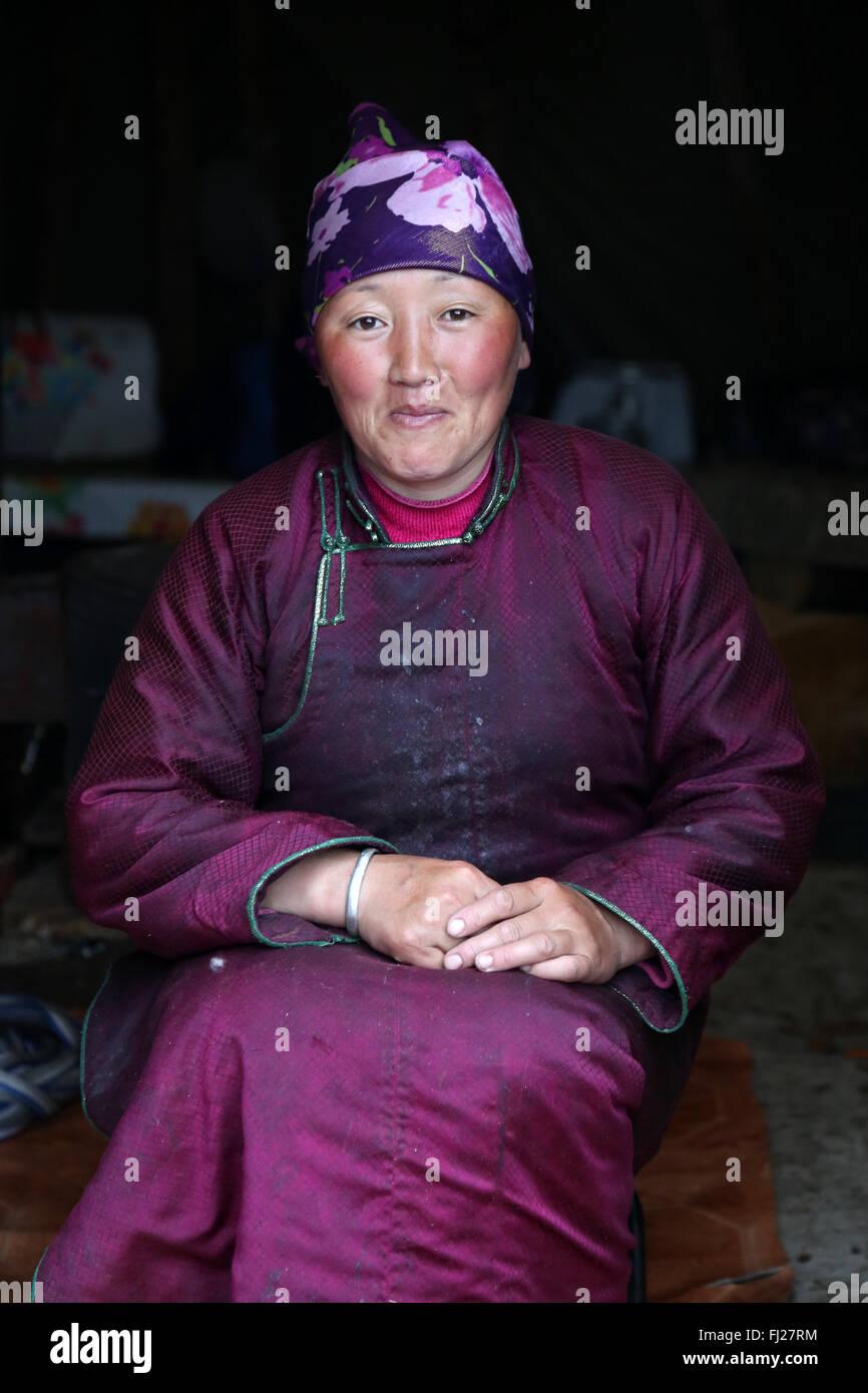 Woman, Tsaatan Dukha people , nomadic reindeer herders , Mongolia - Stock Image