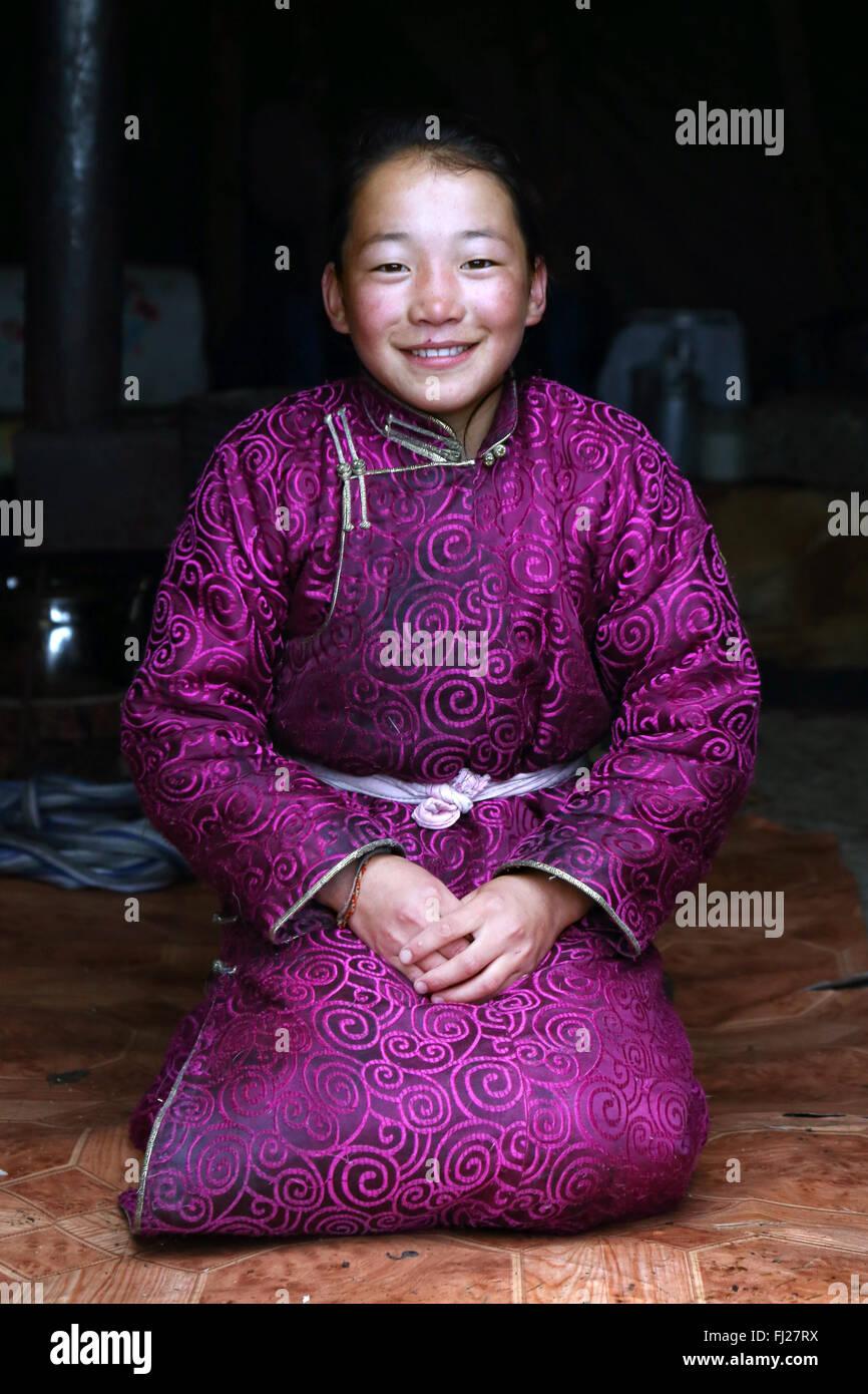 Happy Tsaatan girl, , Tsaatan Dukha people , nomadic reindeer herders , Mongolia - Stock Image