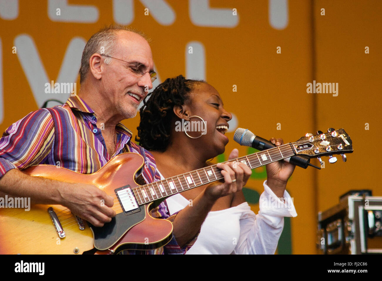 Vocalist Ledisi sings with  LARRY CARLTON and the SAPPHIRE BLUES BAND at the MONTEREY JAZZ FESTIVAL - Stock Image