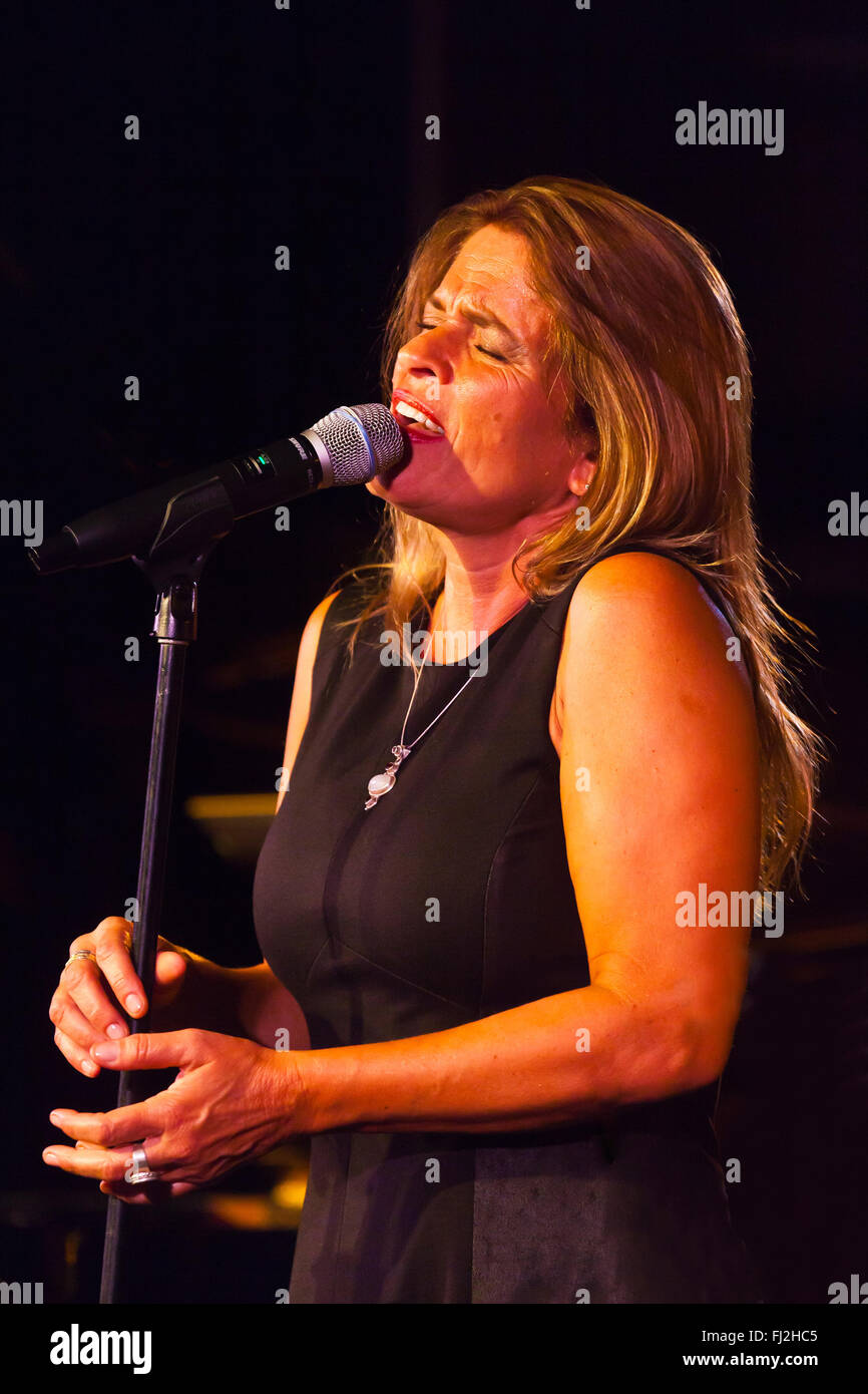 CLAUDIA VILLELA sings in the nightclub at the 2014 MONTEREY JAZZ FESTIVAL - Stock Image