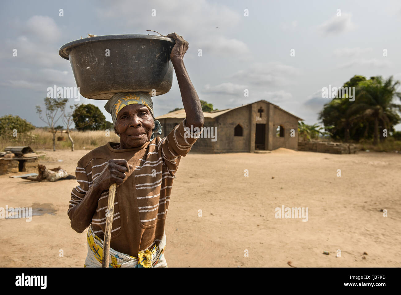 Angolan woman in a village of Zaire province, Angola, Africa - Stock Image