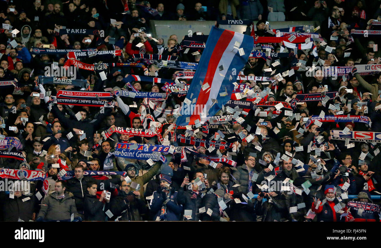 Psg Fans Seen During The Uefa Champions League Round Of 16 Match Stock Photo Alamy