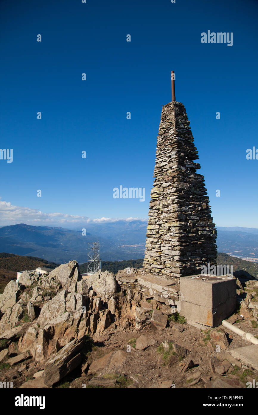 The Cairn on the top of Puig Neulós in the eastern Pyrenees, France. - Stock Image