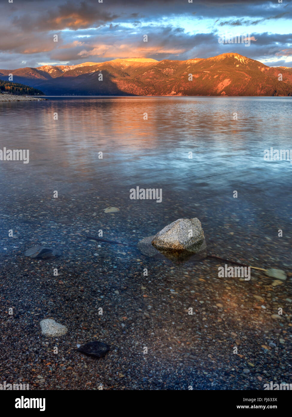 The clear waters of Pend Oreille Lake. - Stock Image