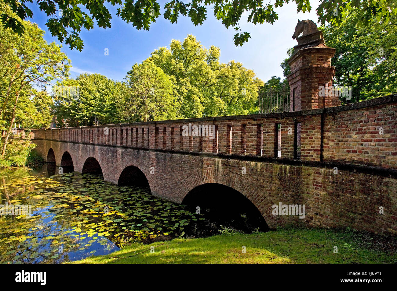 bridge to castle Wickrath, Germany, North Rhine-Westphalia, Lower Rhine, Moenchengladbach - Stock Image