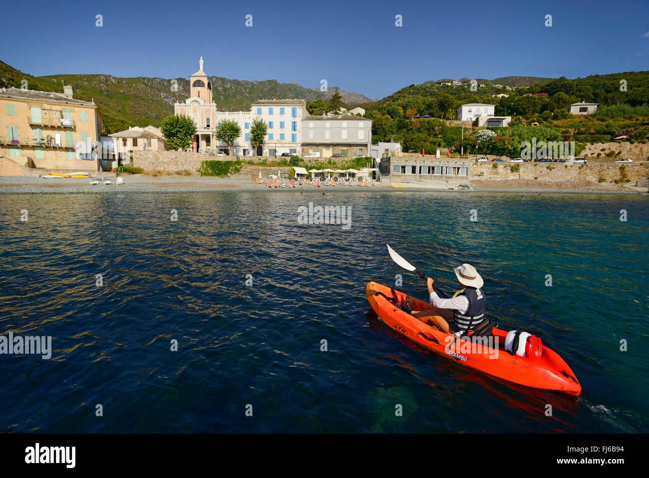 sea kayaking near Erbalunga, France, Corsica, Cap Corse, Erbalunga - Stock Image