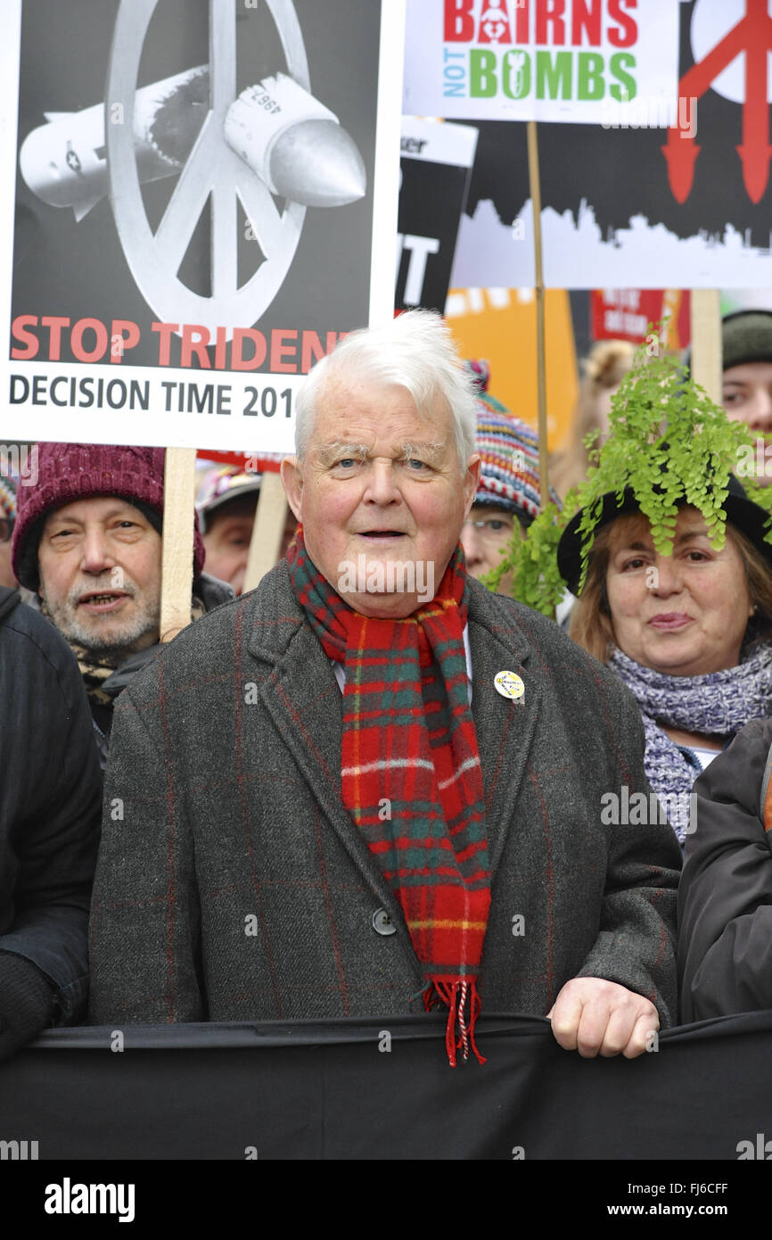 Bruce Kent, Vice Chair of the Campaign for Nuclear Disarmament, at the head of the Stop Trident demonstration shortly - Stock Image