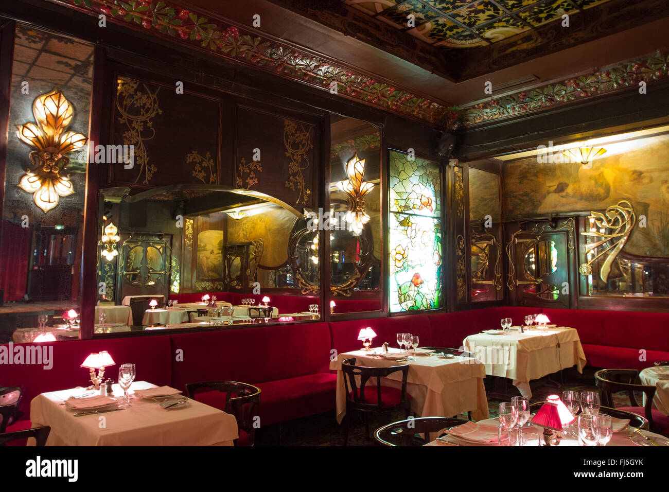 Interior of the art nouveau style maxim 39 s de paris restaurant paris stock photo 97260679 alamy - Belle maison restaurant paris ...