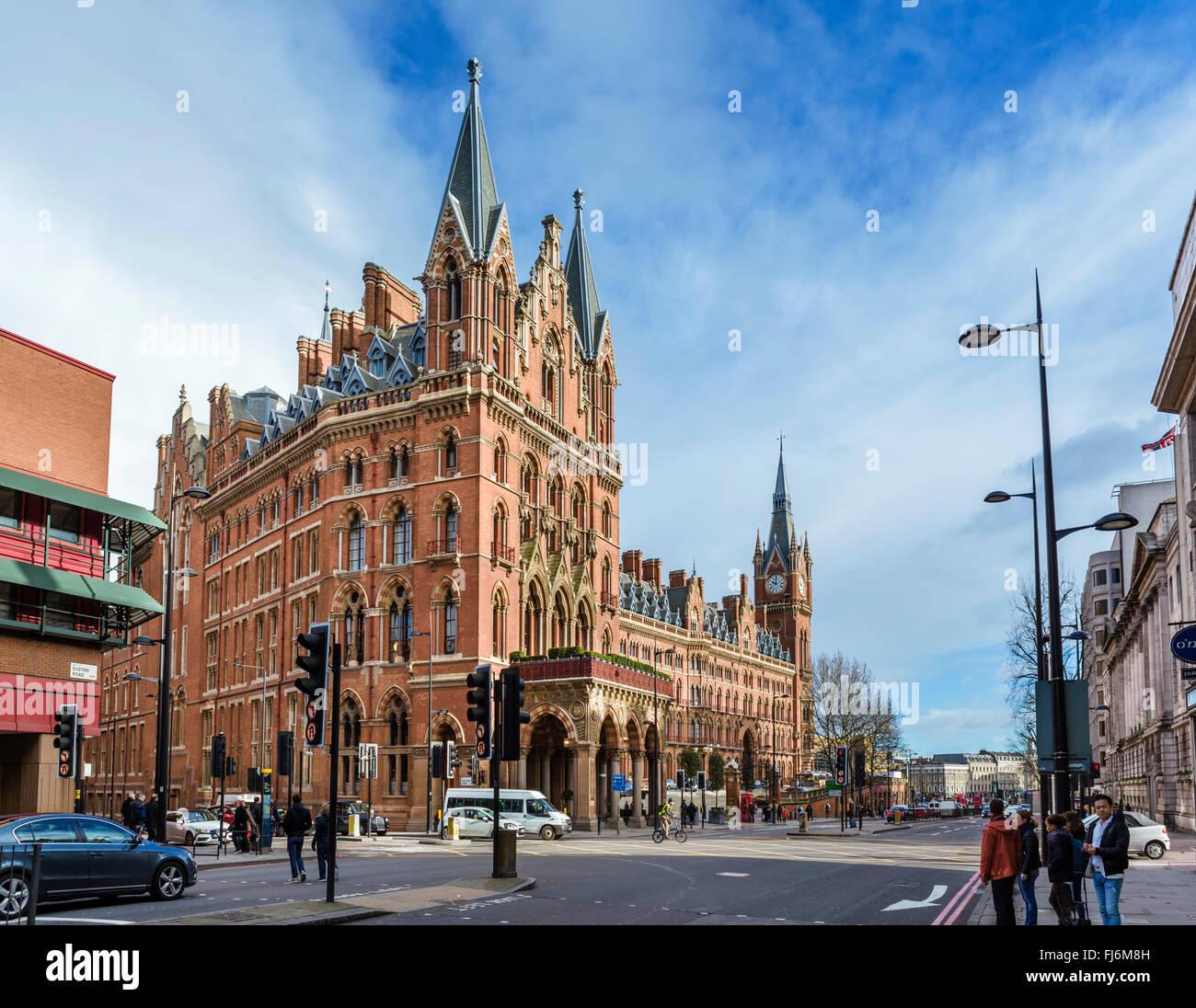 St Pancras International Station incorporating St Pancras Renaissance London Hotel, Euston Road, London, England, - Stock Image