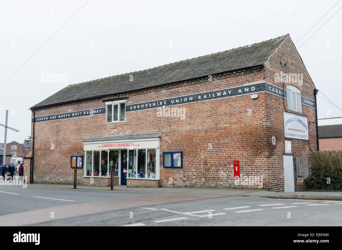Former London and Northwest Railway and Shropshire Union Railway and Canal Company building now home to Limekiln - Stock Image