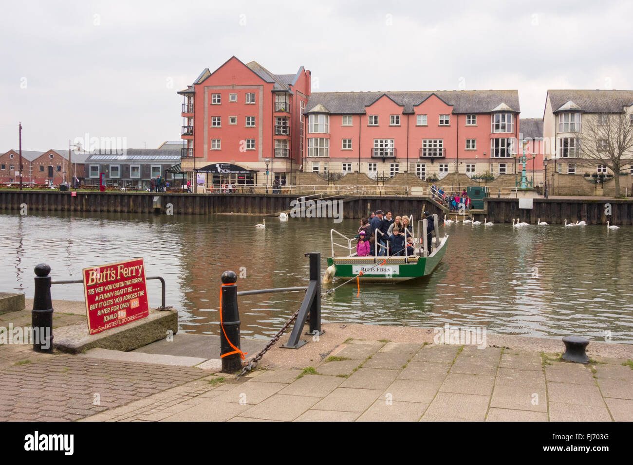 Exeter Quay - Butts Ferry - a hand-operated pedestrian cable ferry that crosses the River Exe - Stock Image