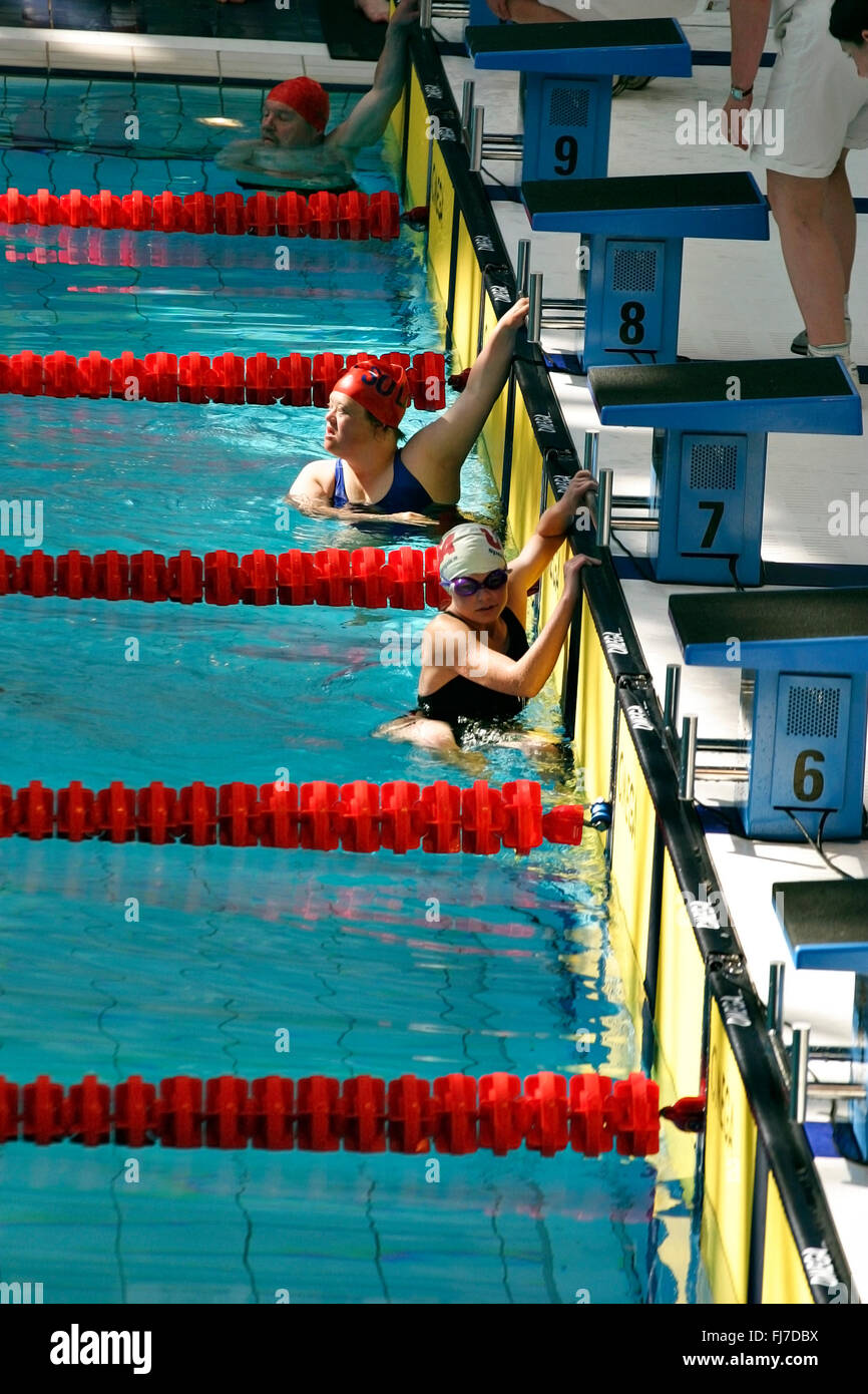 Swimming contestants in pool, Special Olympics Dublin 2003 - Stock Image