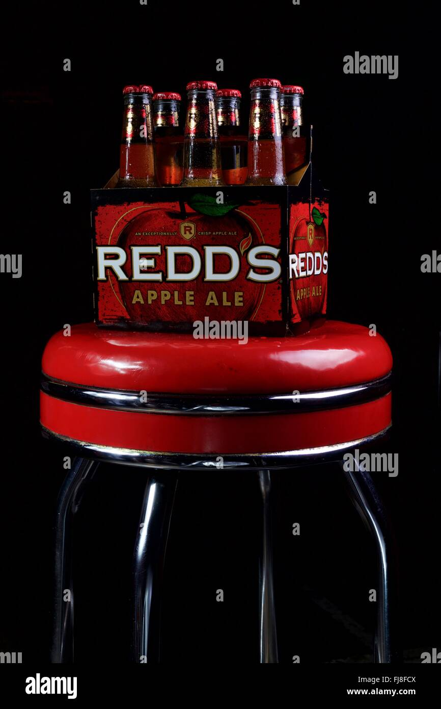 Super Six Pack Of Redds Apple Ale Stock Photo 97303386 Alamy Alphanode Cool Chair Designs And Ideas Alphanodeonline