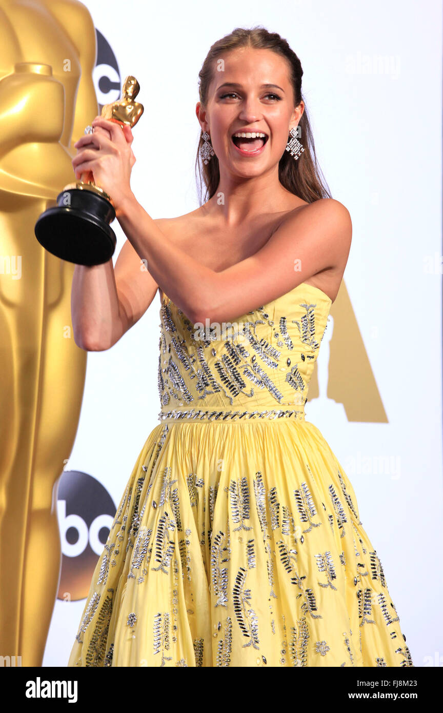 Alicia Vikander, winner of the Best Supporting Actress award