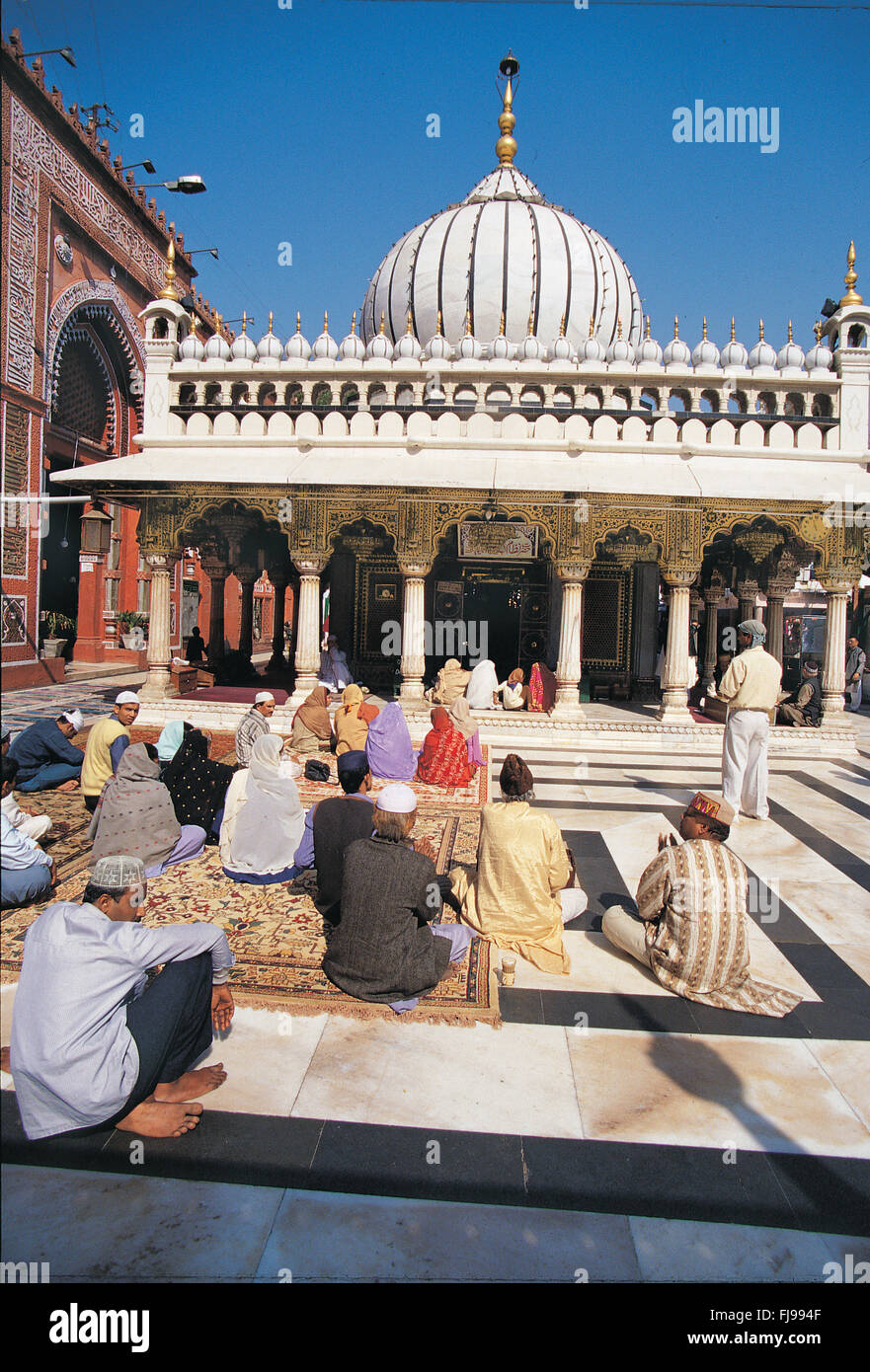 Ajmer sharif stock photos ajmer sharif stock images alamy ajmer sharif dargah ajmer rajasthan india asia stock image thecheapjerseys Image collections