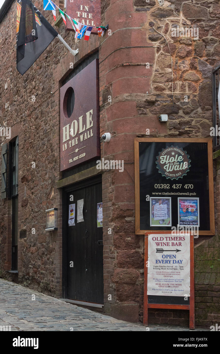 The Hole in the Wall sports bar and restaurant - Exeter City Centre, England, UK - Stock Image