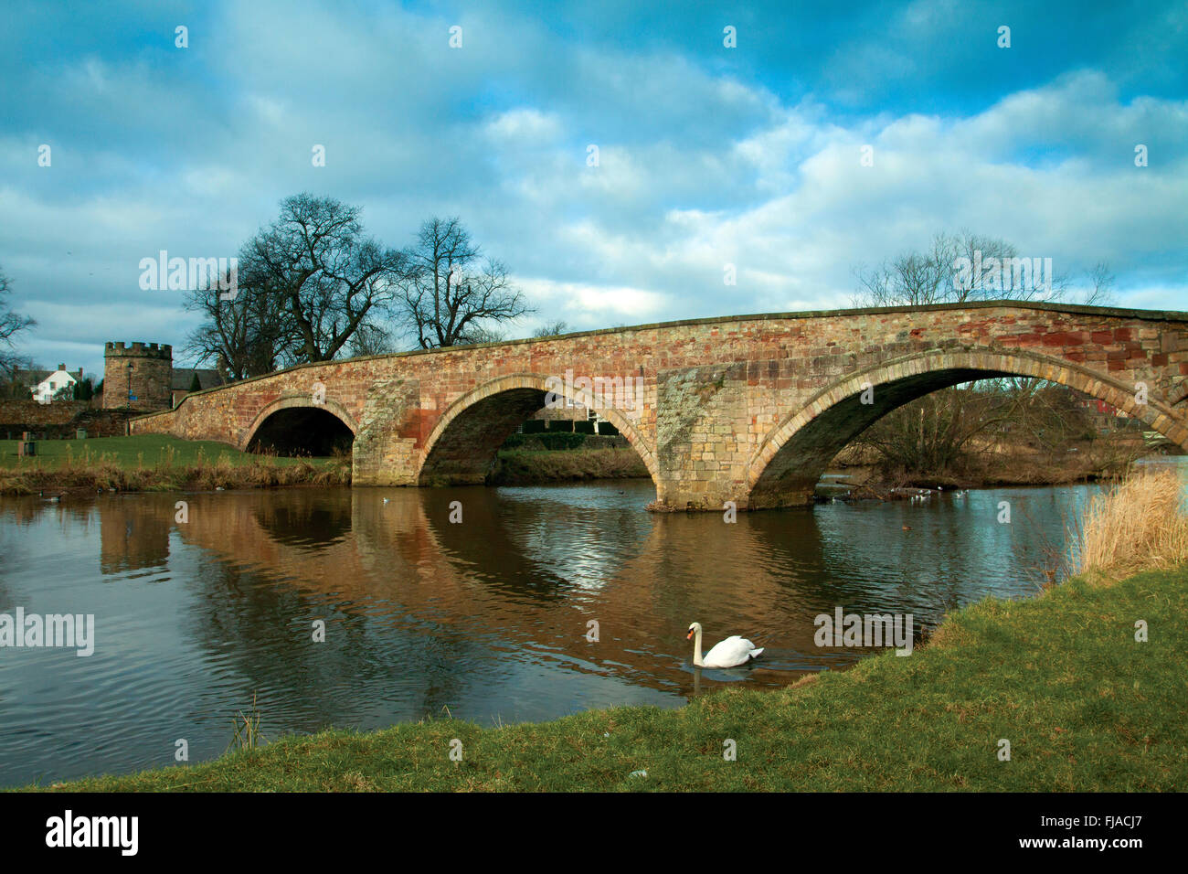 The Nungate Bridge and the River Tyne, Haddington, East Lothian - Stock Image