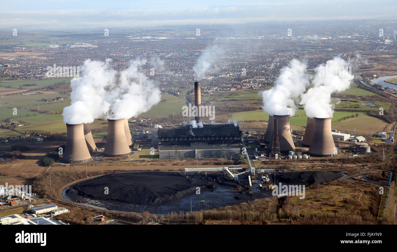 aerial view of Fiddlers Ferry Power Station near Widnes, Cheshire, UK Stock Photo