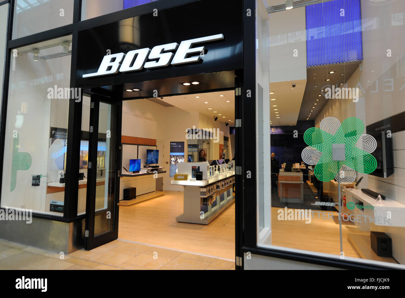 Bose in Cardiff st Davids shopping centre - Stock Image